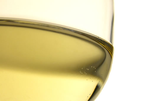 http://charlesscicolone.files.wordpress.com/2008/08/white-wine-glass_2.jpg